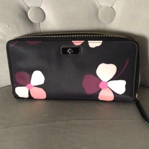 Kate Spade NWT large continental wallet